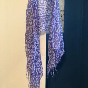 Francesca's blue pattern scarf